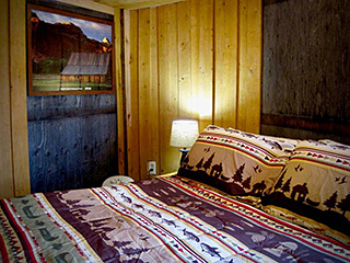 Bryce Canyon Deluxe Private Yurt - Queen Bed