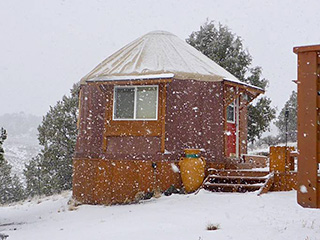 Bryce Canyon Private Studio Yurt - Snow
