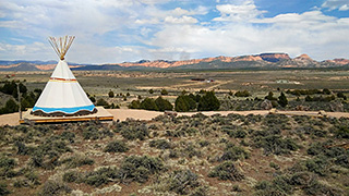 Running Deer TIPI near Bryce Canyon - TIPI Camping Site